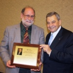 Robert Mootz, DC, receives 2014 McAndrews' Award