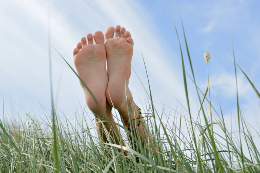 The shape and structure of the foot and whether the foot has an arch that offers support determines flat feet and the resulting problems...