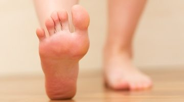 Problems in the feet work their way up the entire kinetic chain