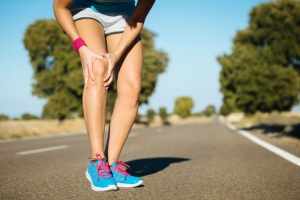 Why you should consider chiropractic instrument adjusting for knee pain