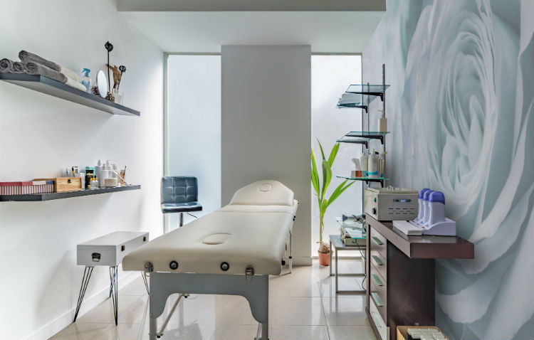 One of the first things that you probably learned from a basic chiropractic practice marketing class was how to determine your care philosophy. And it starts with the decor of your chiropractic adjusting room