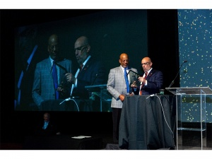 Oakland chiropractor Willard Smith, DC, honored at The WAVE18