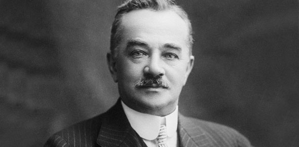 Milton S. Hershey introduces the milk chocolate Hershey bar in the U.S.