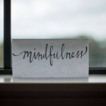 5 steps to mindfulness in medicine and treatment