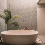 4 reasons you may want to add vinegar to your nightly bath water