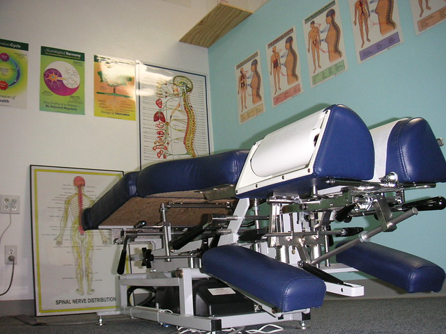 Advantages of a four-section drop chiropractic table